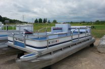20′ Sea Nymph Pontoon 25 hp Evinrude
