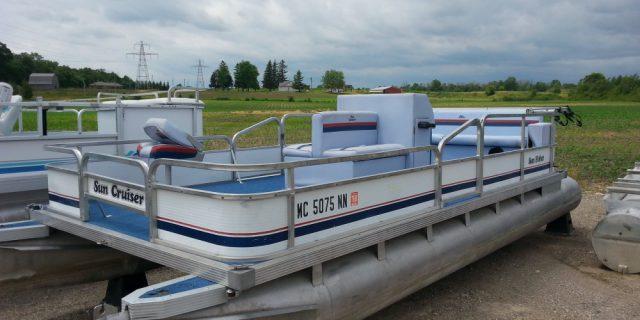 20′ Sea Nymph Pontoon 25 hp Evinrude