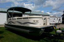 2004 24′ Monark pontoon with 40hp Mercury 4-stroke