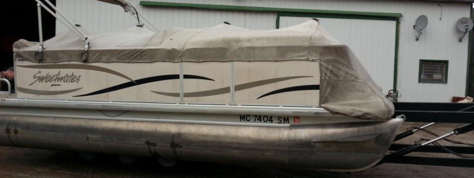 2003 20′ Sweetwater Pontoon with 50 hp. Mercury
