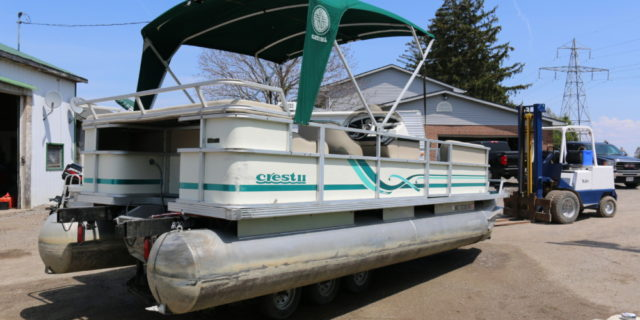 1997 22′ Crest II Pontoon (No Motor)