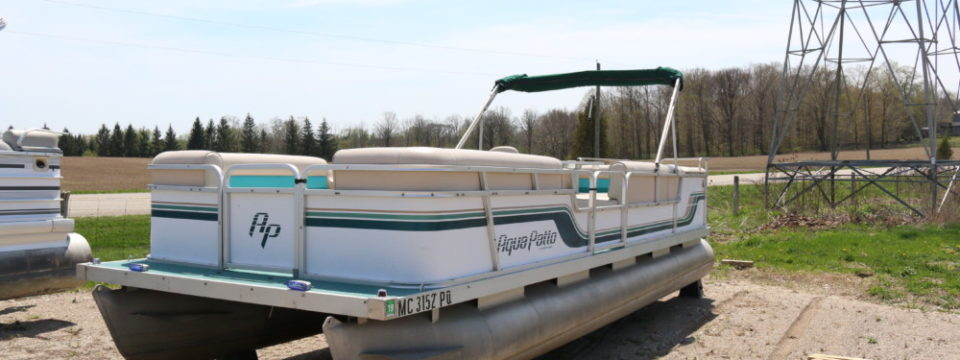 1993 24′ AquaPatio Pontoon with 40hp Mariner Motor