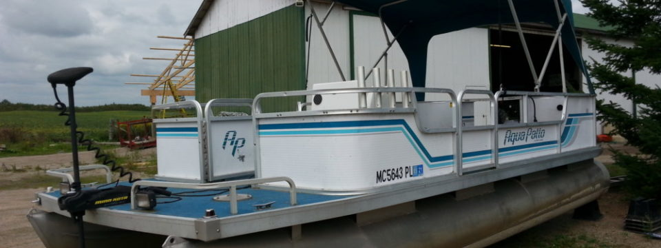 1992 20′ Aqua Patio Pontoon with a 30hp. Yamaha Motor