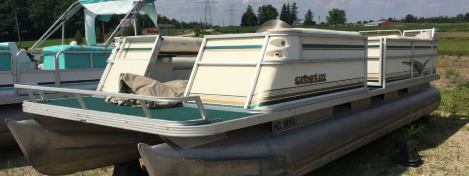 1999 24′ Crest III Pontoon( Deck only ) ( No Motor )