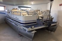 2004 18′ Manitou Pontoon with a 25hp Johnson 4-stroke