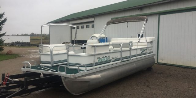 2000 21′ Odyssey Pontoon with a 40hp Nissan 2-Stroke