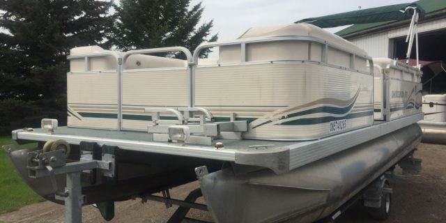 2000 22′ SmokerCraft Pontoon with a 50hp 2-Stroke Mercury