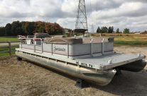 1990 24′ Sweetwater Pontoon with a 48hp Johnson Motor