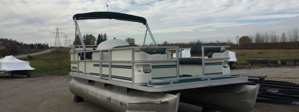 1999 18′ Crest II 25hp Johnson